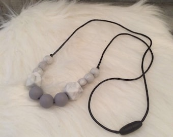Breastfeeding and Babywearing silicone beads nickel bpa-necklace for MOM and baby-gift - baby marble, grey necklace
