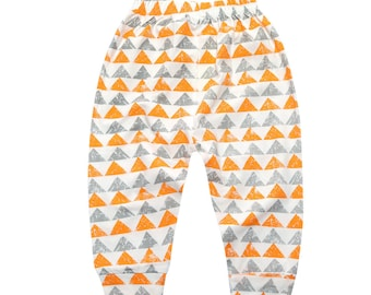 Joli legging, pantalon, jogging bébé - motif triangles - Idéal pour les couches lavables- Gris, orange, beige