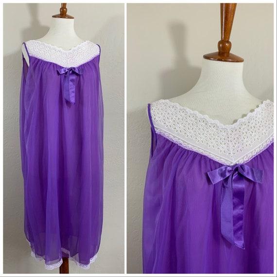 1960s Nightgown / Purple / Medium