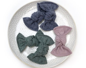 Candy knot  Butterfly buckle on headband, bar or elastic      Choose your color