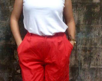 Classic 80s Highwaisted Hot Red Shorts