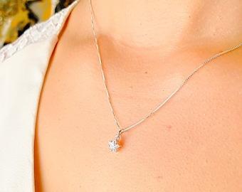 Tiny Star Necklace