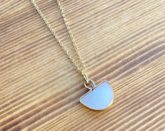 White Jade Necklace, Minimalist Gold Necklace, Dainty Necklace, Necklaces For Women, Jade Jewelry, Gold Jewelry, Gemstone Necklace