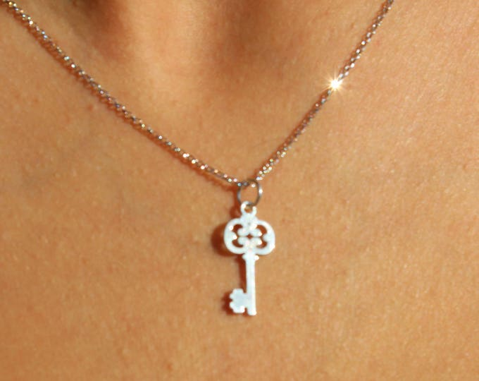 Sterling Silver Key Charm Necklace For Women - Minimalist Key Pendant To Gift For Her - Dainty Key Jewelry