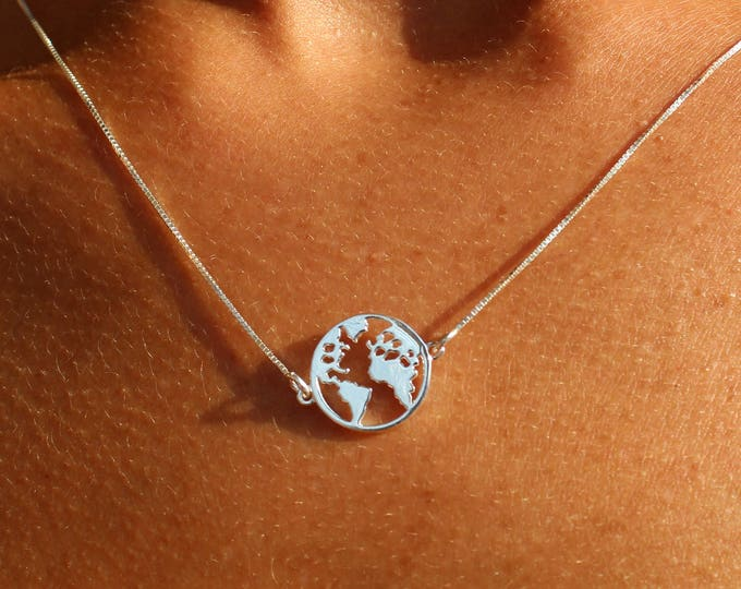 Silver World Map Necklace For Women - Gold World Map Jewelry For Traveler - Dainty World Pendant - Minimalist Charm Necklace To Gift For Her