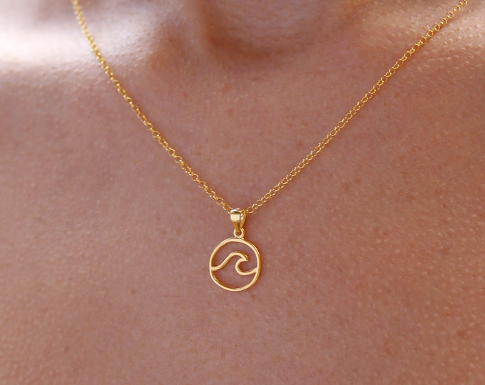 Gold Sea Wave Necklace For Women - Dainty Silver Surfer Necklace - Minimalist Ocean Wave Jewelry To Gift For Her