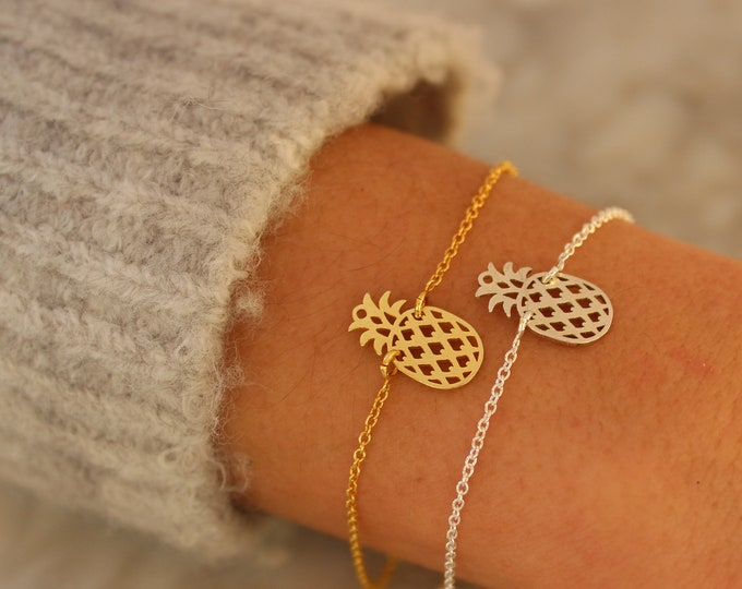 Gold Pineapple Charm Bracelet For Women - Dainty Sterling Silver Pineapple jewelry To Gift For Her
