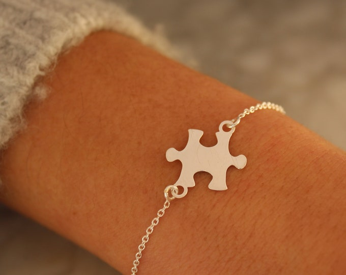 Sterling Silver Puzzle Charm Bracelet For Women - Dainty Puzzle Charm Jewelry To Gift For Her - Minimalist Puzzle Piece Bracelet