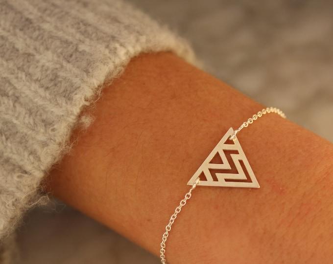 Silver Triangle Bracelet For Women - Dainty Geometric Charm Jewelry - Minimalist Bracelet To Gift For Her