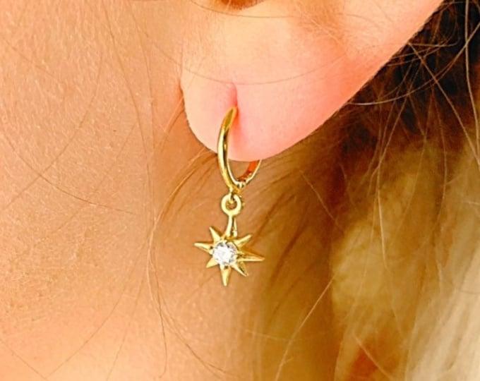 Hoop Earrings With Charm, Dainty Hoop Earrings, Gold Hoop Earrings, Star Earrings, Star Jewelry, Hoop Earrings, Minimalist Hoop Earrings