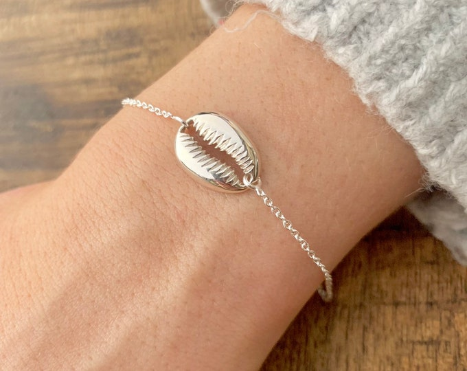 Sterling Silver Shell Charm Bracelet For Women - Dainty Cowrie Shell Jewelry To Gift For Her - Surfer Bracelet
