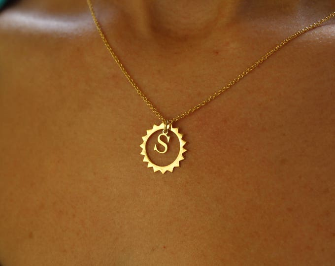 Collar Sol Con Inicial - Sun Necklace With Initial
