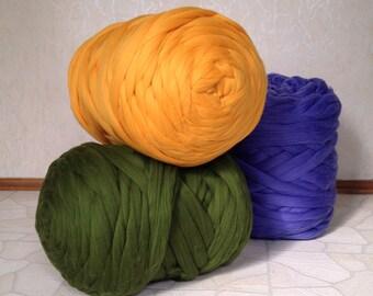 4 kg (8.8 Ib) Roving wool. Super bulky yarn. Super chunky yarn. Chunky knit blanket. Chunky knit throw. Jumbo yarn. Felting. Thick knit