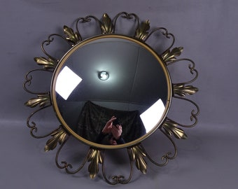 Italian Sunburst Curved Mirror with Acanthus Leaves - 1960s - Italy