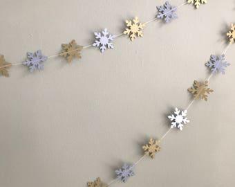 Christmas snowflakes garland - Winter wedding  - Christmas decorations - Christmas garland - Gold and silver snowflakes - Handmade garland
