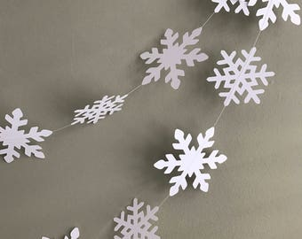 Christmas snowflakes garland - Winter wedding - White snowflakes - Christmas decorations - Large white snowflakes-Party decorations-Backdrop