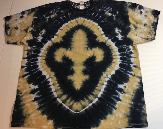 Black and Gold Fleur de Lis Tie Dyed Tee size XXL