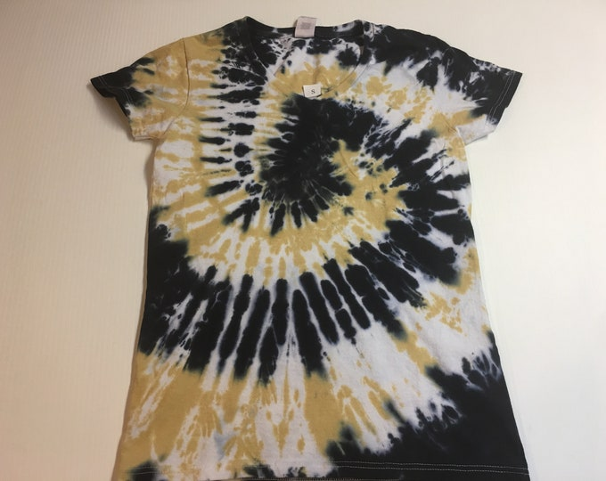 Ladies V-neck Black and Gold Spiral Tie Dyed Tee Multiple sizes