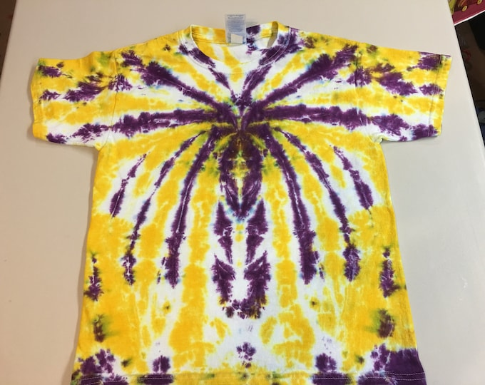 Youth Small Tie Dyed T-shirt