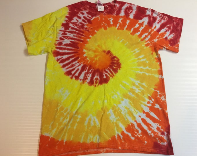 Red Orange Yellow spiral   Tie Dye Tee Medium
