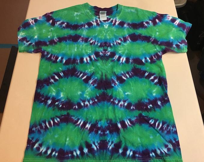 Fish Scale Pattern Crew Neck Tie Dye T shirt large