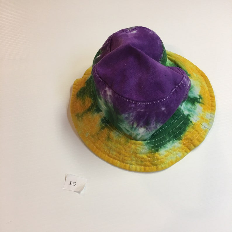 Tie Dyed Bucket Hats size Large