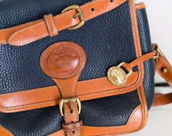 Beautiful Authentic Vintage Dooney & Bourke All Weather Leather Crossbody Purse Bag!