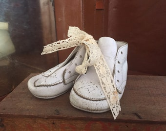 Old Leather Baby shoes