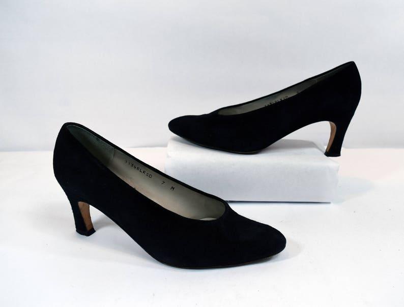 53ea04ced1e Van Eli Minimalist Vintage 80s Black Suede Leather Pump Heels