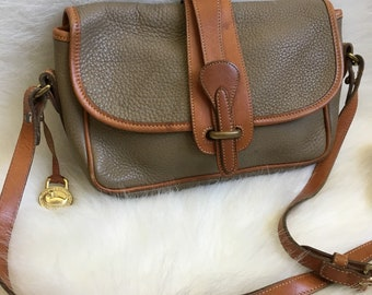 Tan and Brown Leather Dooney & Bourke Crossbody. Vintage Purse. Duck Logo. Adjustable. All Weather. Nice. Classic.