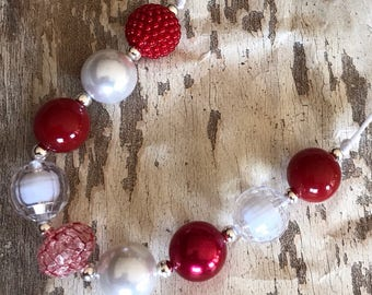 Red & White Delight       Classic - Sparkle - Chunky Bubblegum Bead Necklace - Valentine - Christmas