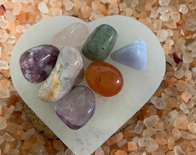Selenite Charging Plate (heart), Crystal cleansing, Charging