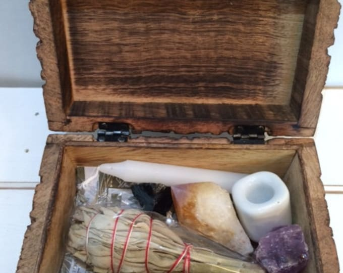 Clearing Kit with Wooden Box