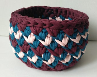 "Crocheted basket ""Tricolor"""