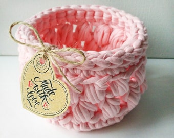 "Crocheted basket ""Pink marshmallows"""