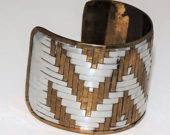 Big 1970's Handmade Zig Zag MODERNIST BRUTALIST Mixed Metals Brass Silver Cuff BRACELET