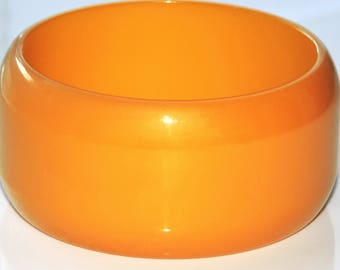 Big Vintage Mustard Yellow Bakelite Bangle Bracelet