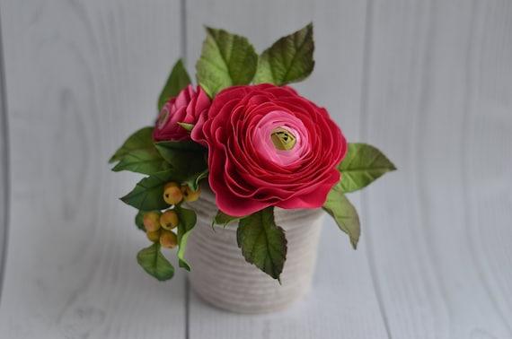 Pink Ranunculus Magnet Flower Arrangement In Vase Ranunculus Etsy