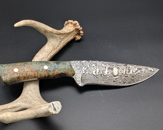 Pinecone Handle Hunting knife - Damascus drop point