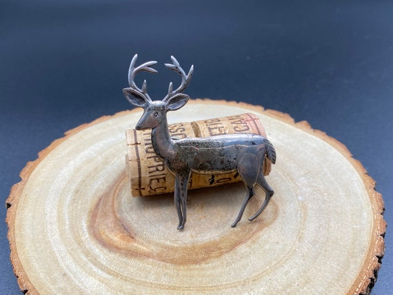 pin /& safety clip ~ vintage jewellery ~ gamekeeper gift ~ genuine antler Vintage brooch ~ tiny deer antler brooch with rolled gold setting