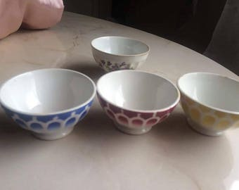 Set of 4 vintage cups