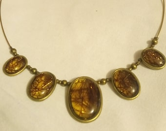 VINTAGE amber and metal necklace, 1980 style