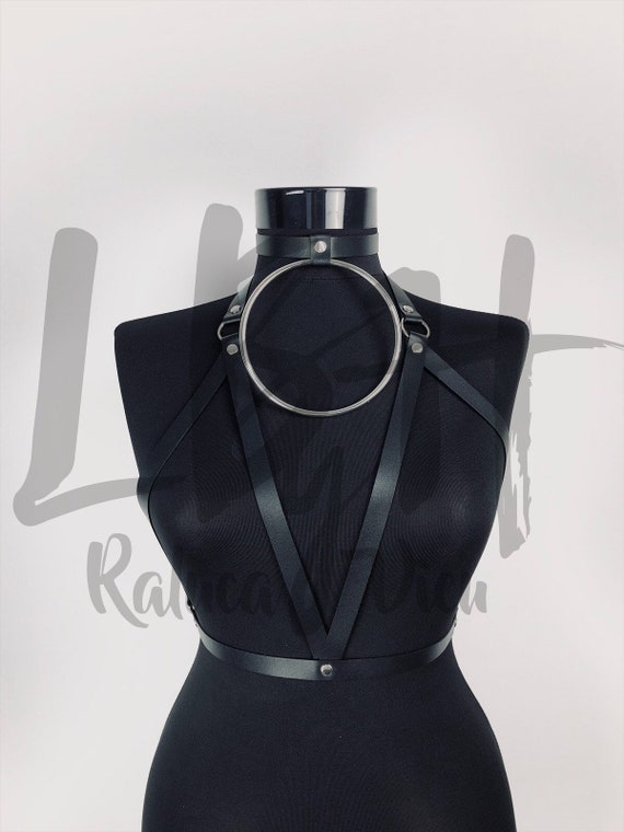 Black Harness with big O Ring Choker, Body Harness with Oversized ring, Leather Harness Belt, Fashion Harness for Her, Leather Harness Gift