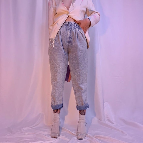 Acid wash pleated chambray pants