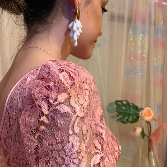 Dusty rose lace puff sleeve dress - image 3