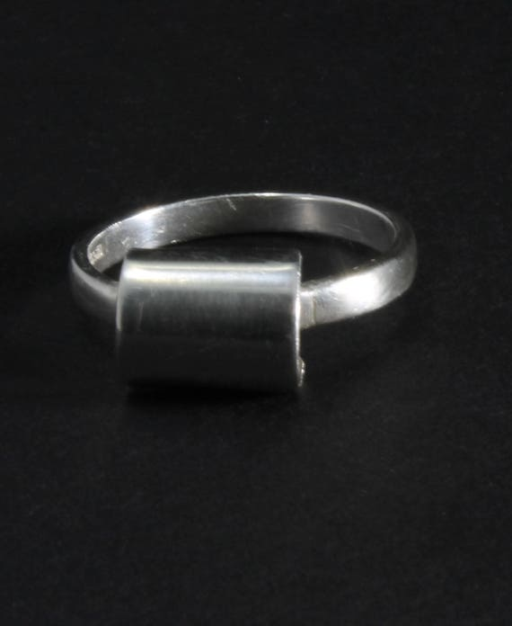 Simple Statement Ring, Size 7