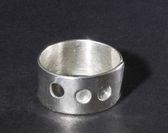 Three Hole Ring, Size 7