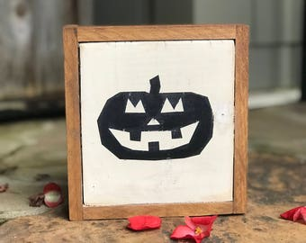 Small wood Jack-O-Lantern sign with frame|Halloween decor| Halloween sign|Pumpkins|October sign|Pumpkin sign|Fall decor| little pumpkins
