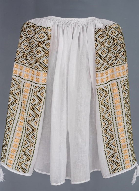 Stunning Handmade Romanian Blouse  size L manually embroidered  great piece of art ie romaneasca Rum\u00e4nische Bluse Hungarian blouses bohemian