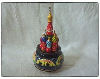 Souvenir. Music Box St. Basil's Cathedral.Moscow 1980s 纪念品。 八音盒圣巴西尔大教堂.莫斯科1980s